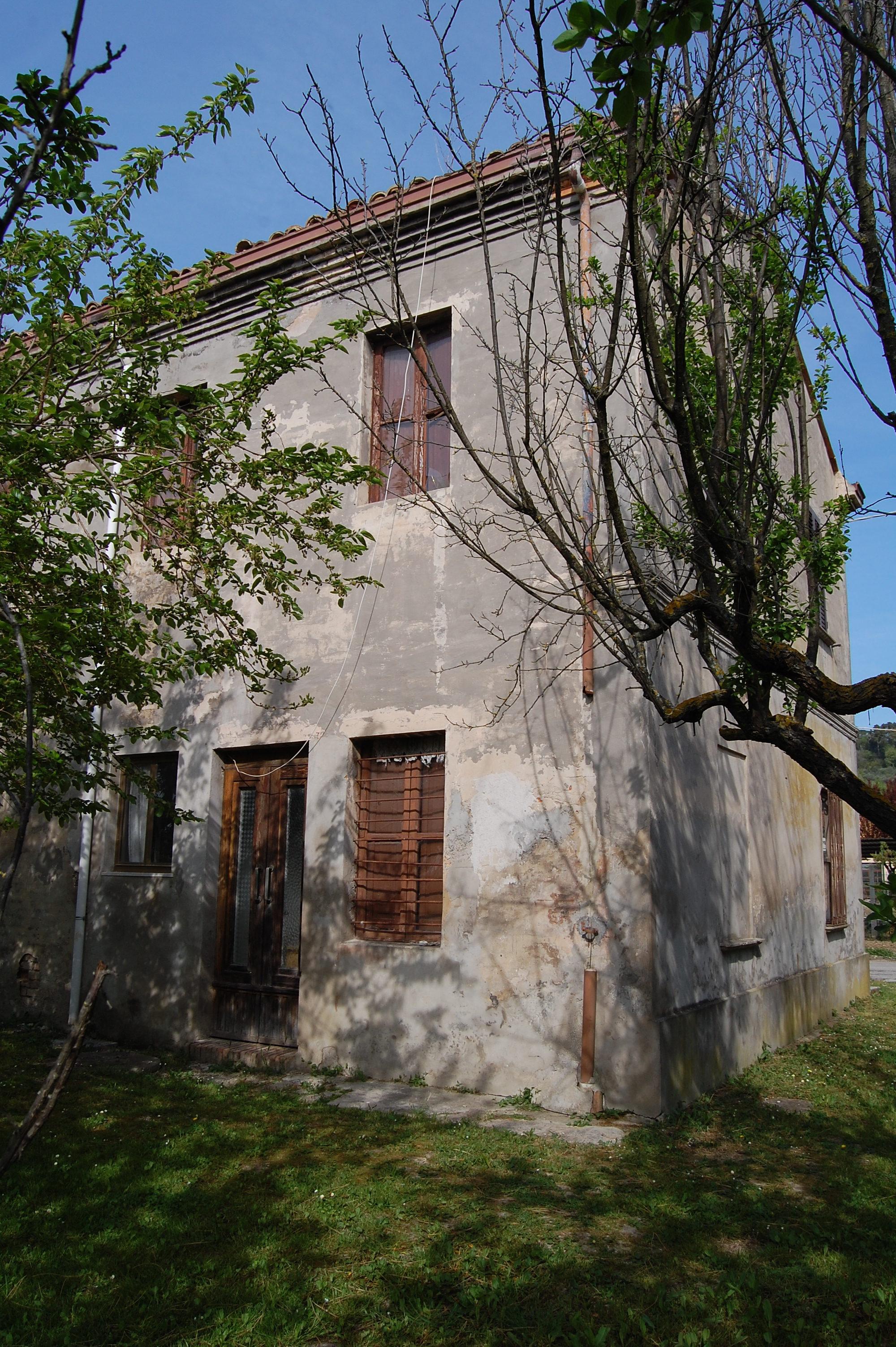 Cuccurano – Casa da ristrutturare
